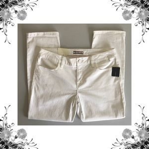 {Tommy Hilfiger} Cream Cropped Jeans